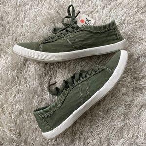 Billabong Shoes - Billabong Army Olive Green Flex Cushion Shoes